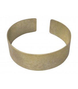 Hammered silver plated bangle