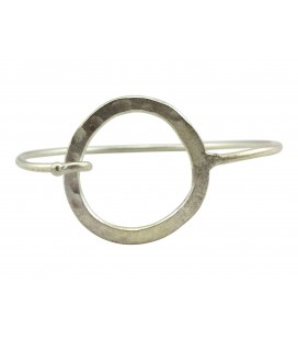 Flat hammered round silver plated bangle
