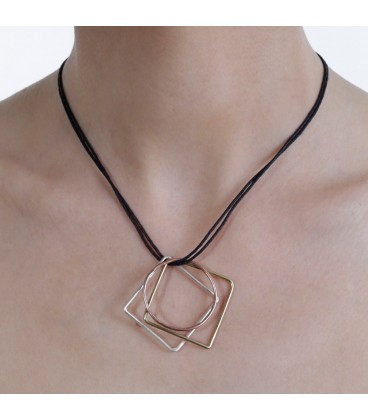 Mixed shapes short necklace
