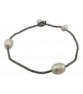 Two freshwater pearls bracelet